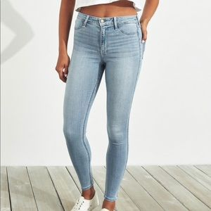 light wash distressed hollister jeans